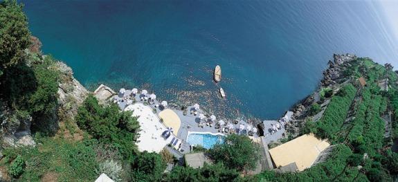 italy_amalfi_coast_santa_caterina_7