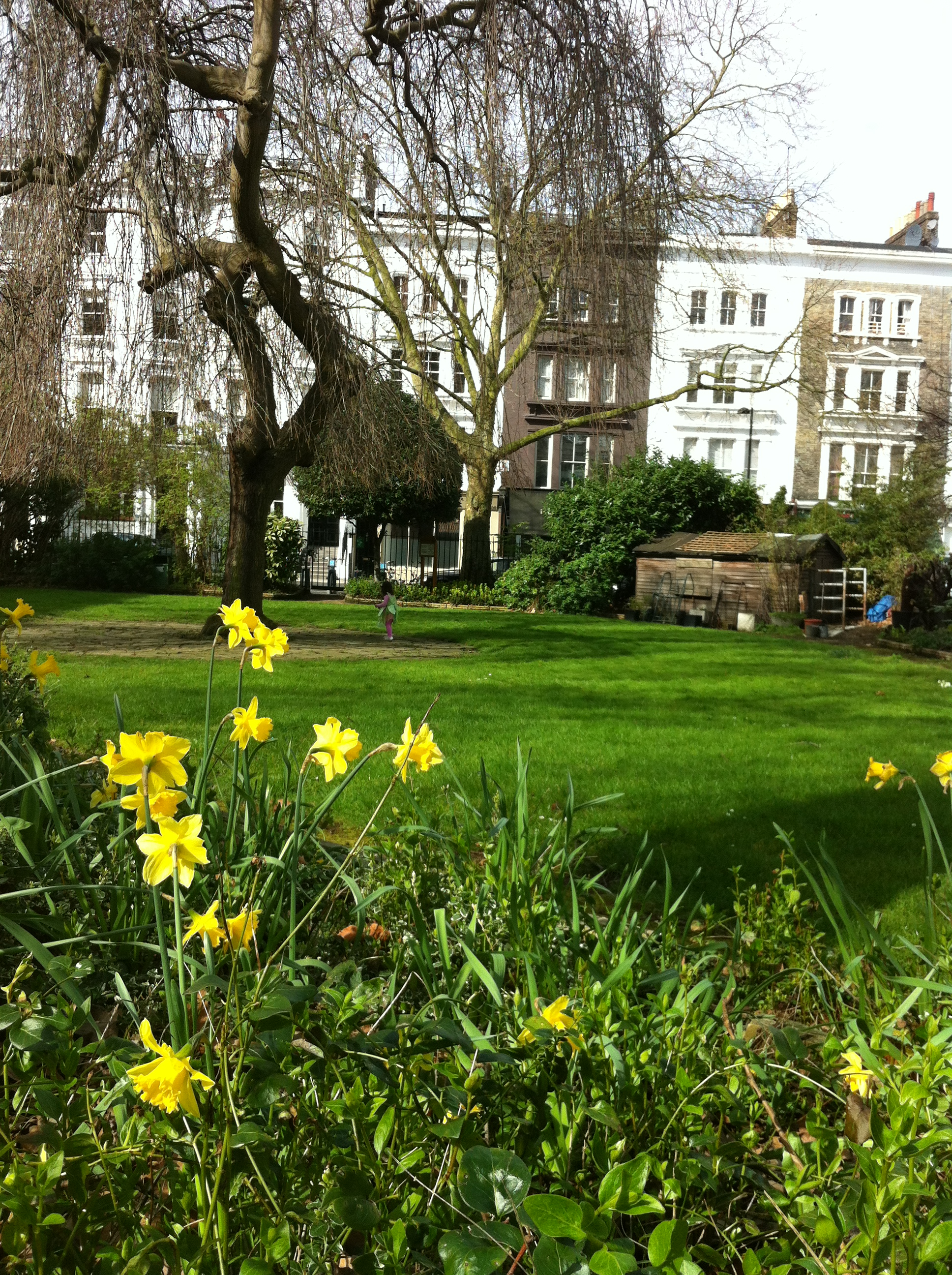 The Garden Wars Notting Hill S Private Gardens Notting Hill Yummy Mummy