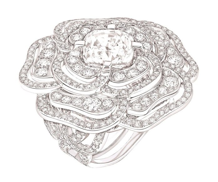 Chanel-Camélia-ring-in-white-gold-set-with-a-5ct-squared-cushion-cut-diamond-and-351-brilliant-cut-diamonds-with-a-total-weight-of-3.5ct.